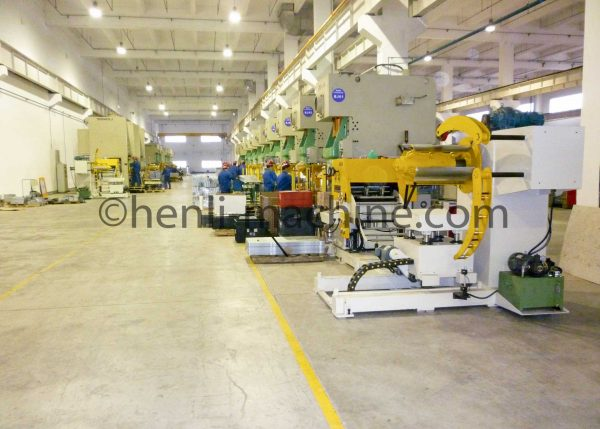 Henli Machinery's 3 in 1 NC straightening roll feeder in Haier's factory