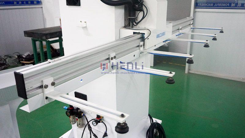Press to press robot arm